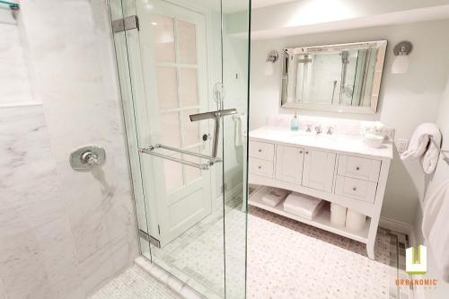 Ottawa Bathroom Renovation Design Urbanomic Interiors Beckwith Ave 05