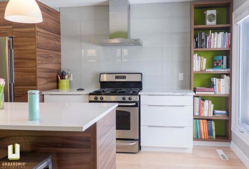 Courtice Ave - White + Walnut Modern Kitchen Design - Urbanomic Interiors 02
