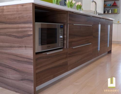 Courtice Ave - White + Walnut Modern Kitchen Design - Urbanomic Interiors 07
