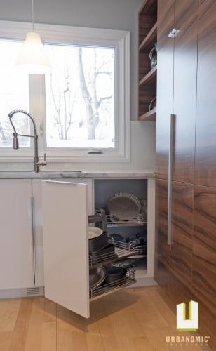 Courtice Ave - White + Walnut Modern Kitchen Design - Urbanomic Interiors 16