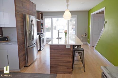 Courtice Ave - White + Walnut Modern Kitchen Design - Urbanomic Interiors 21