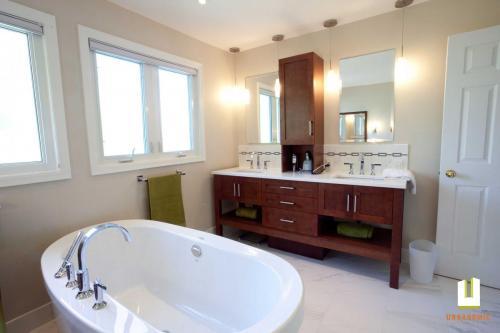 Kluane-residential-bathroom-renovation_urbanomic Interior-design-ottawa-06