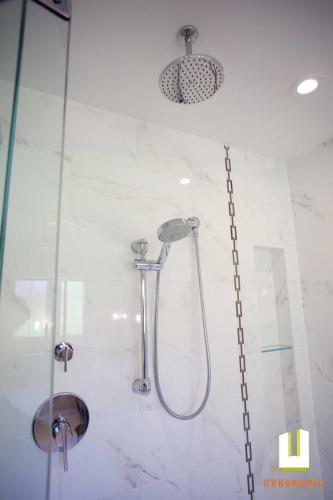 Kluane-residential-bathroom-renovation_urbanomic Interior-design-ottawa-07