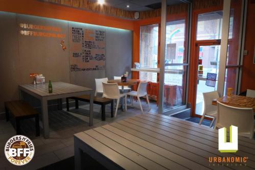 urbanomic_interiors_interior_designer_ottawa_canada_restaurant_design_bff_02