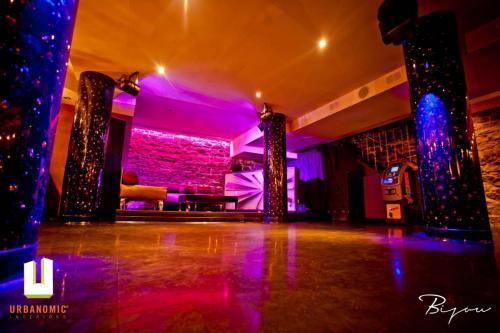 urbanomic_interiors_interior_designer_ottawa_canada_restaurant_design_bijou_17