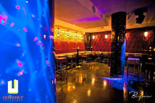 urbanomic_interiors_interior_designer_ottawa_canada_restaurant_design_bijou_2
