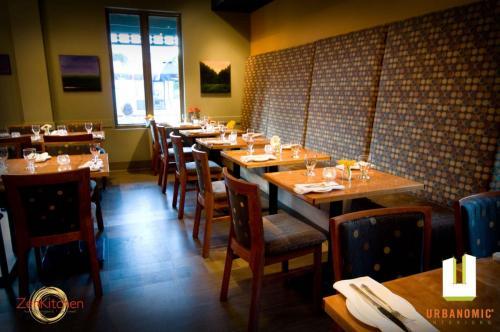 urbanomic_interiors_interior_designer_ottawa_canada_restaurant_design_zen_5