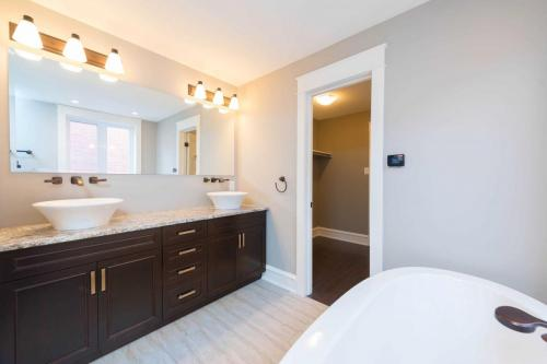 Transitional Ensuite Renovation 2